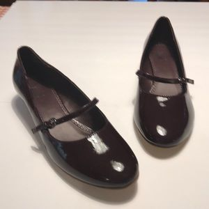 EUC White Mountain wine colored Mary Janes